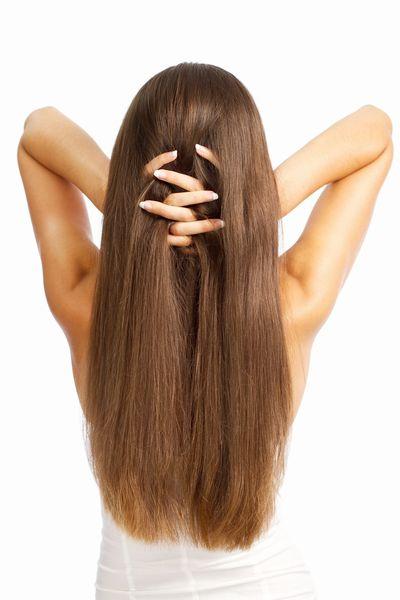 この状態でも美髪ではありません、美髪矯正ならもっと綺麗なストレートヘアになります。